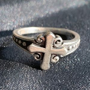 Vintage Sterling Siver Cross Ring Size 5.5